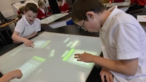 Abime-post-blog-mesas-inteligentes-podem-ser-o-futuro-da-educacao-nas-salas-de-aula